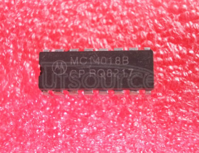 MC14018BCP 1A Dual-Slot PC Card Power Switch w/Serial Interface, No 12V Support 24-SSOP -40 to 85