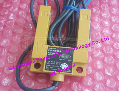 E3S-GS3B4 New and original OMRON Photoelectric switch PNP 12-24VDC  2M